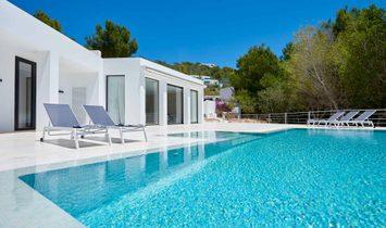 Contemporary Design Villa In Can Rimbau