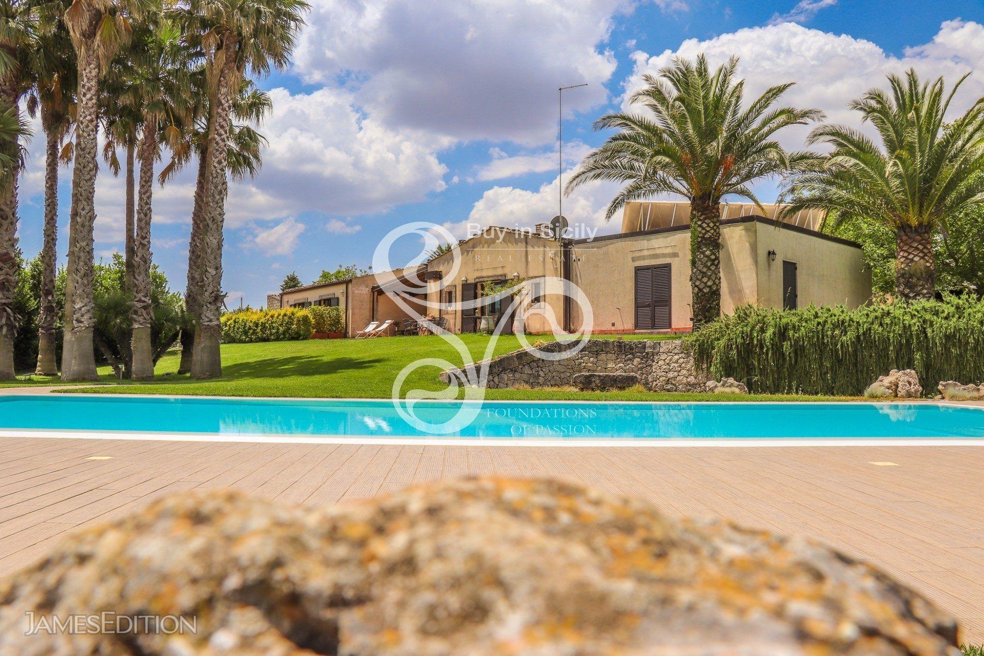 Villa in Noto, Sicilia, Italy 1