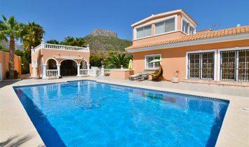 Villa in Calp, Land Valencia, Spanien 1