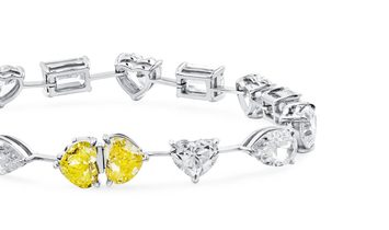 White Diamond Bracelet, 15.11 Carat, Heart shape, GIA Certified, JCBW05472766
