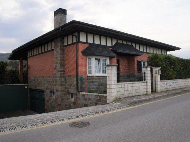 Villa in Castro Urdiales, Cantabria, Spain 1
