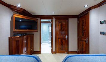 Richmond Yachts Tri-Deck Motor Yacht