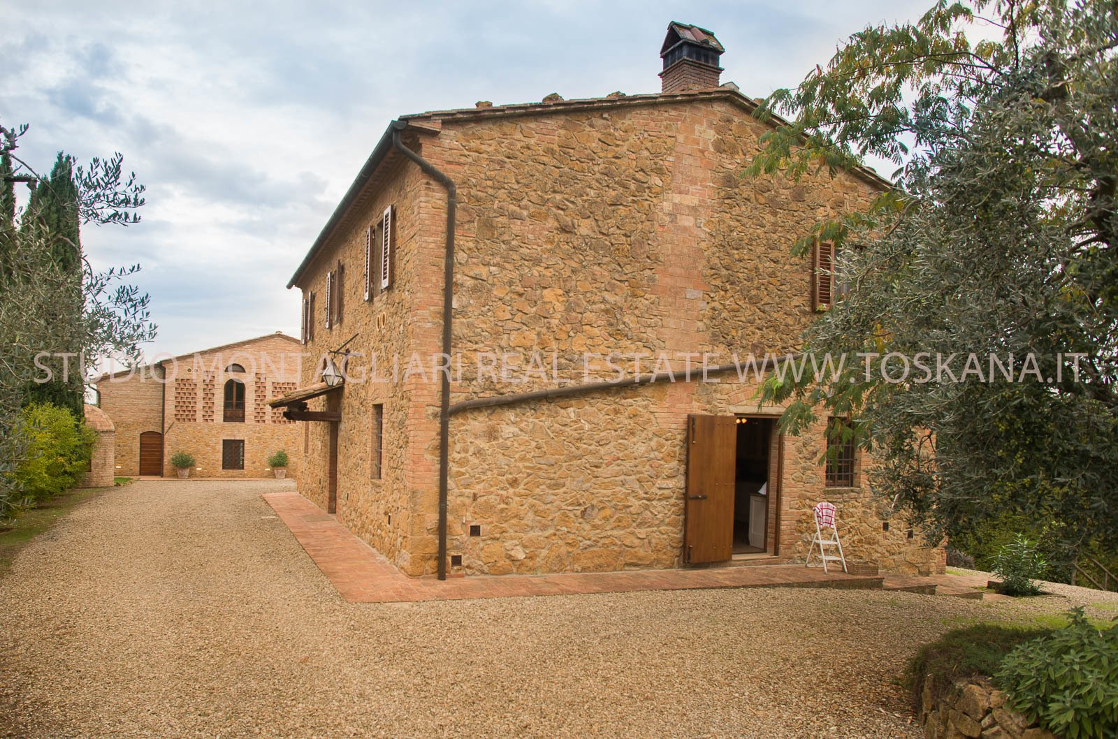 House in Montaione, Tuscany, Italy 1 - 10878122