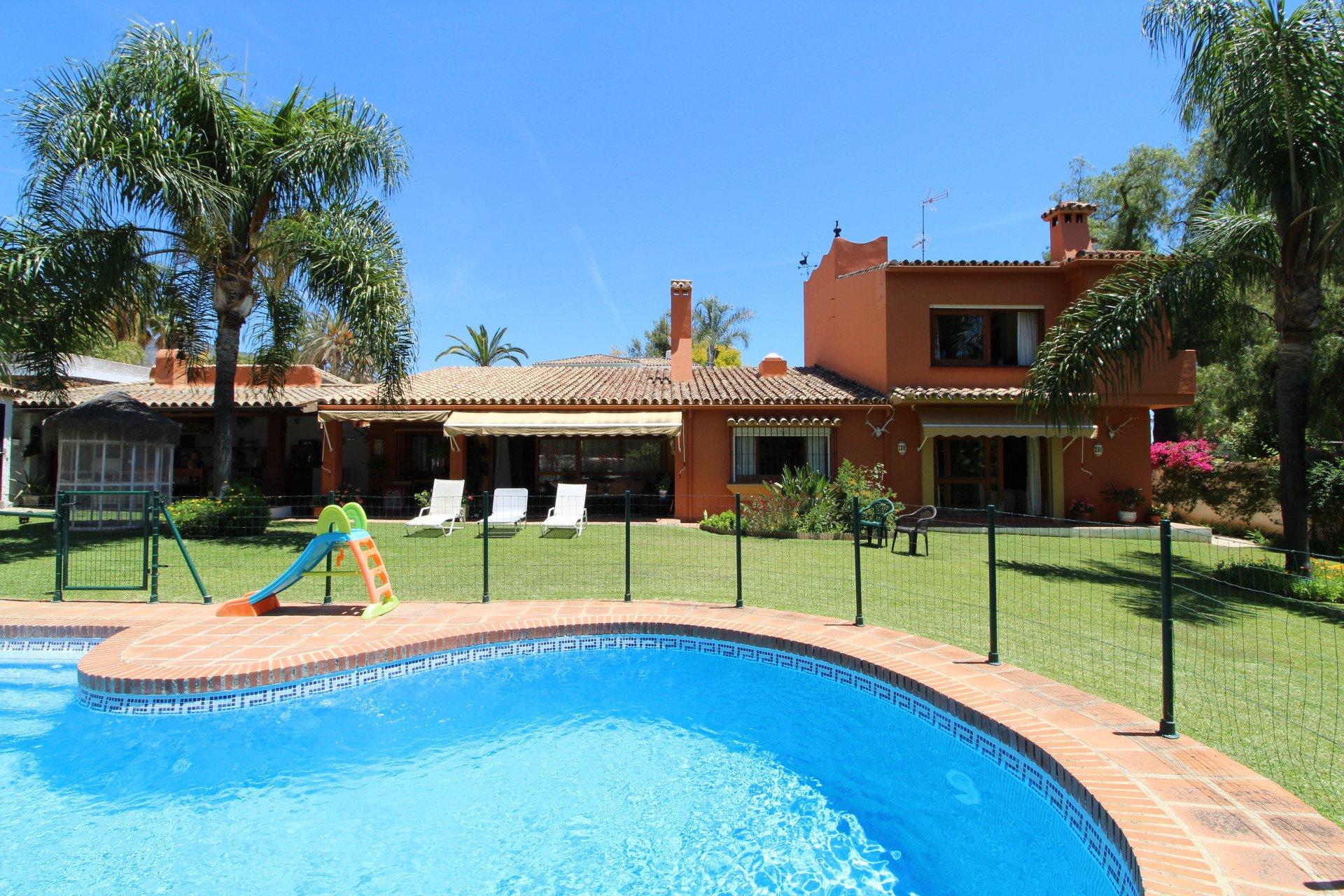 Villa in Marbella, Andalusia, Spain 1 - 10883646