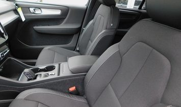 2020 Volvo XC40 Momentum
