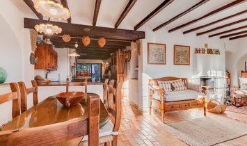 Teulada Country House / Finca