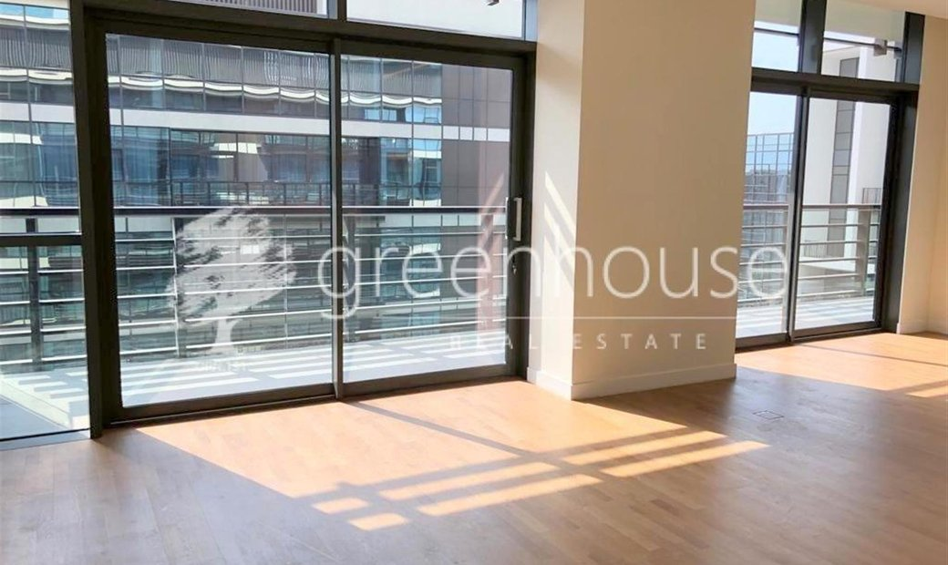Top-Floor Lavish Premium 2 Bedroom Apartment Unit   Ready, Vacant