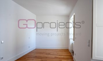 One room appartment with big spaces, in a new building with 4 units in Lisbon
