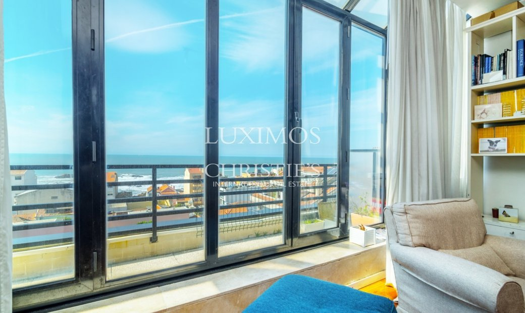 Sale of duplex apartment with balcony and sea views, in Porto, Portugal