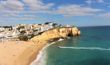 House for sale in Carvoeiro, Lagoa close to beaches  Algarve Portugal