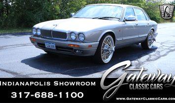 1995 Jaguar Vanden Plas