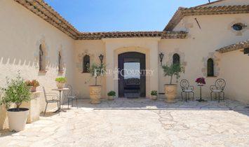 Sale - Villa Cannes (Super Cannes)