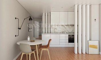 2-Bedroom Apartment with 80 sqm next to Luís de Camões square