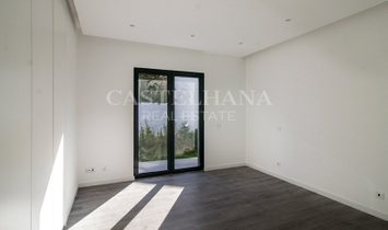 4+1 Bedroom villa with garden and swimming pool, Cascais