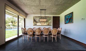 Exclusive House In Las Brisas Sector