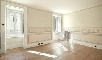 Flat, 6 Bedrooms, For Sale