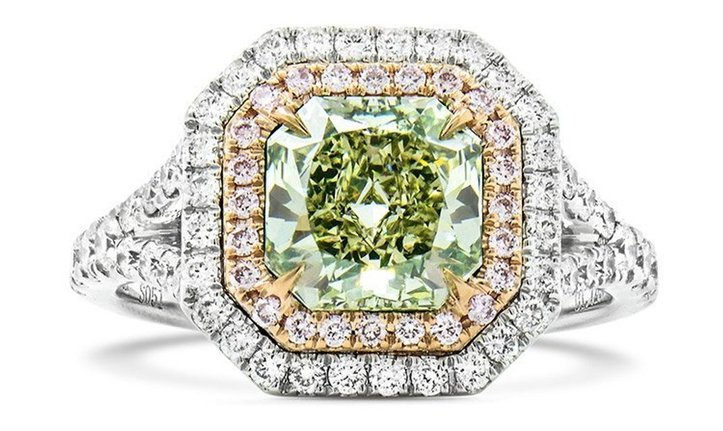 Fancy Yellow Green Diamond Ring, 1.72 Ct. (2.38 Ct. TW), Radiant shape, GIA Certified, 1139501711