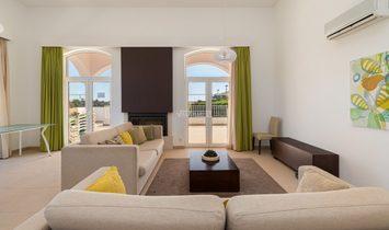 Luxury VILLA V4 with swimming pool at 4* Eden resort of Albufeira