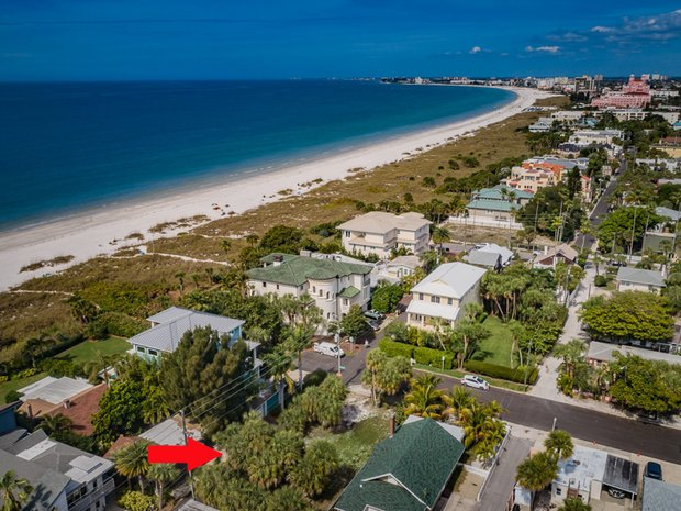 Land in St. Pete Beach, Florida, United States 1