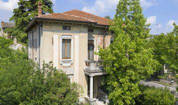 Villa in Castiglione delle Stiviere, Lombardy, Italy