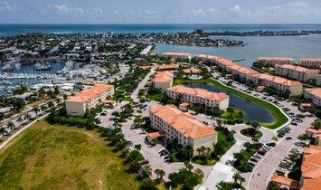 37 Harbour Isle Drive