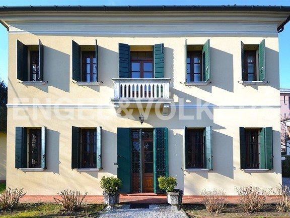 Villa in Mogliano Veneto, Veneto, Italy 1