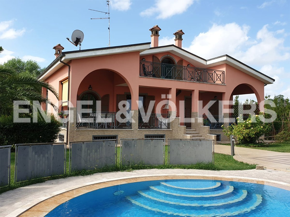 Villa en Bracciano, Lacio, Italia 1 - 10933758