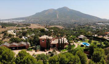 Villa in Coín, Andalusia, Spain 1