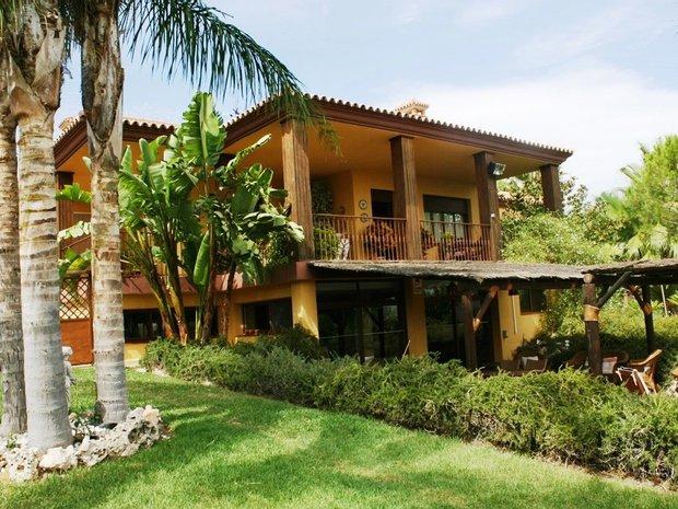 Villa in Alhaurín de la Torre, Andalusia, Spain 1