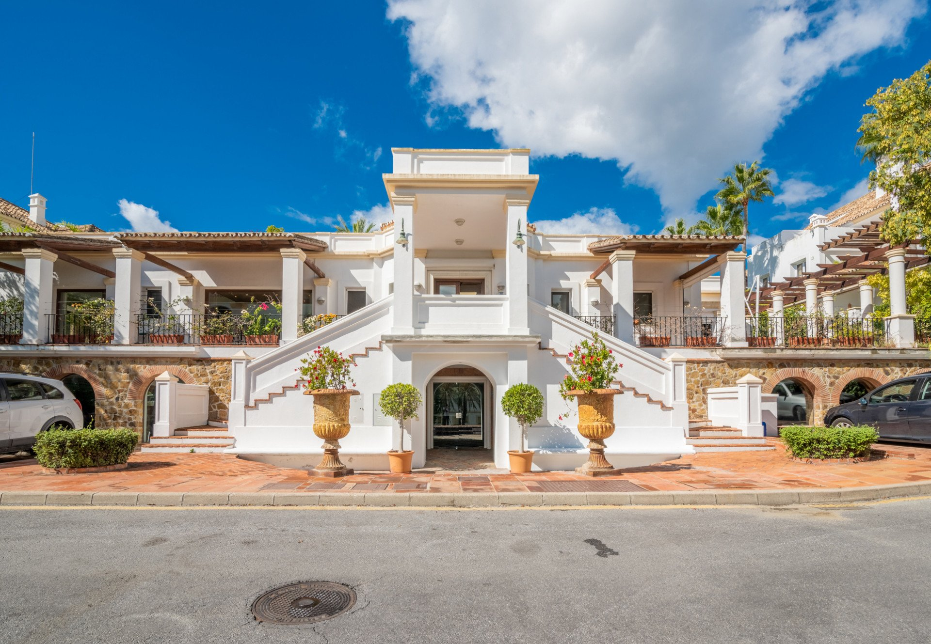 Bungalow in Marbella, Andalusia, Spain 1 - 10566203