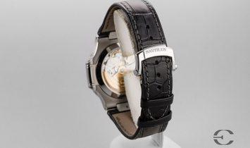 Patek Philippe Nautilus 5726/A Black Dial