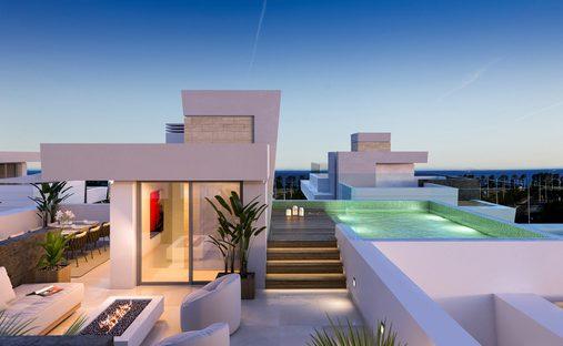 Villa in San Pedro de Alcántara, Marbella, Andalucía, Spain