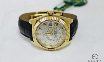 Rolex Sky Dweller 326138 18 Ct Yellow Gold Silvery Dial