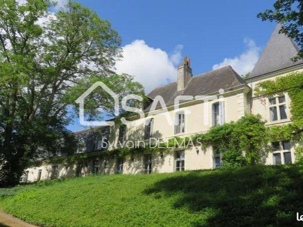 Castle in Saint-Laurent-les-Tours, Occitanie, France 1