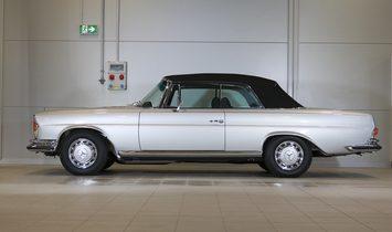 1970 Mercedes-Benz 280 SE  3.5 Cabriolet