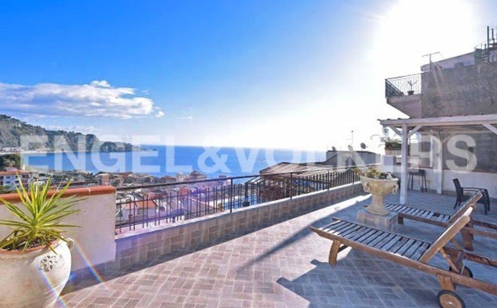 Giardini naxos apartments for sale. ► VILLA ALBERTO GIARDINI NAXOS - Giardini Naxos, Olaszország