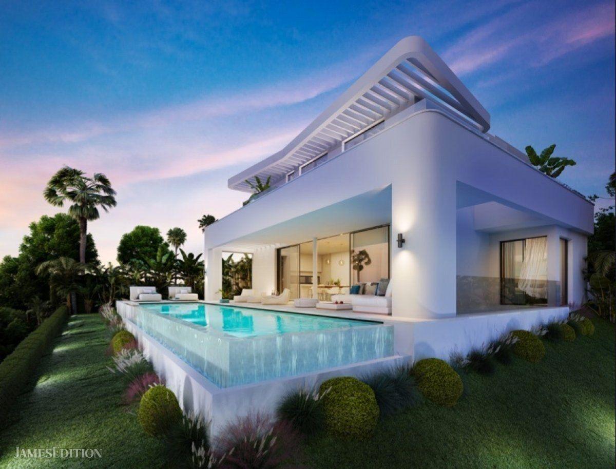 Villa in Fuengirola, Andalusia, Spain 1
