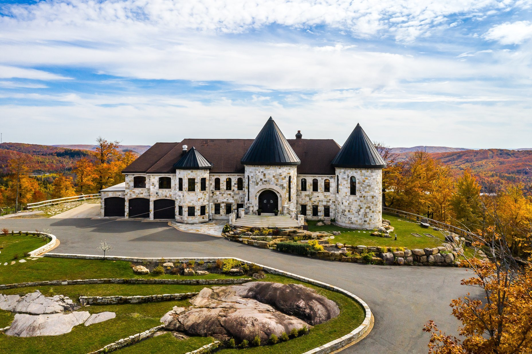 House in Quebec, Canada 1