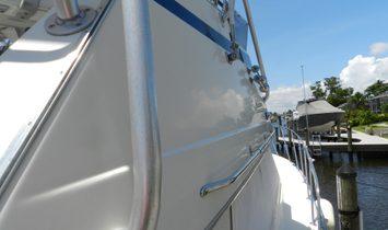 Hatteras Sedan Cruiser