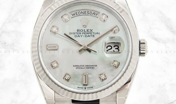 Rolex Day-Date 36 128239-0007 18 Ct White Gold Diamond Set White Mother-Of-Pearl Dial
