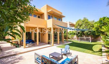 Villa in Dubai, Dubai, United Arab Emirates