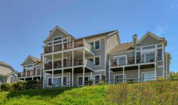 Condo in Tiverton, Rhode Island, United States of America