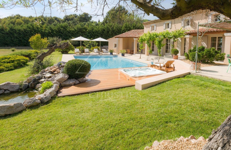 Villa in Mérindol, Provence-Alpes-Côte d'Azur, France 1
