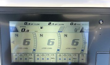 Regulator 34 Center Console