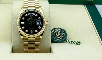 Rolex Day-Date 36 128238-0069 18 Ct Yellow Gold Diamond Set Ombre Green Dial