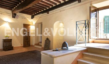 Townhouse in San Quirico d'Orcia, Tuscany, Italy
