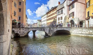 Apartment in Annecy, Auvergne-Rhone-Alpes, France