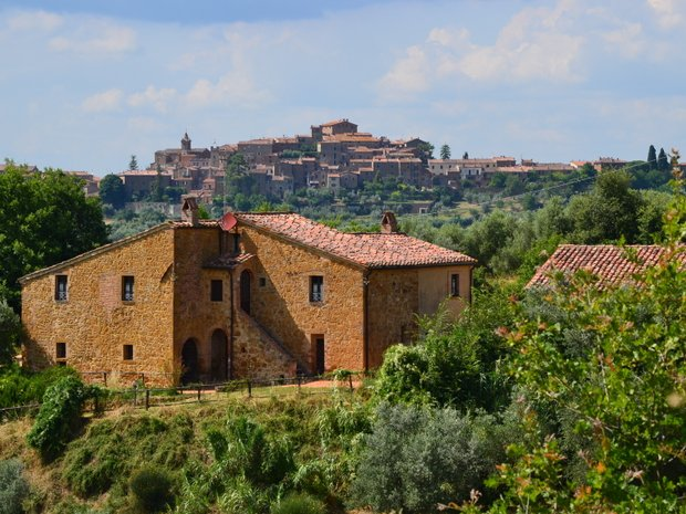 Country House in Trequanda, Tuscany, Italy 1