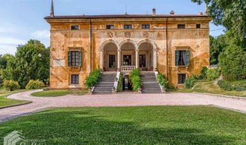 Villa in Veneto, Italy