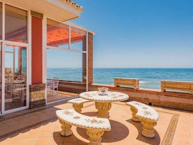 Villa in Playa de Cabopino, Andalusia, Spain 1